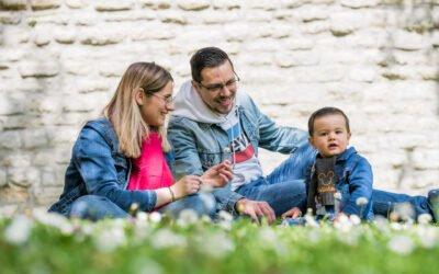 Reportage famille en extérieur à Carrières-sur-Seine